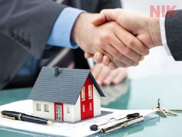 Phí công chứng khi tiến hành giao dịch nhà đất là một trong các loại thuế phí khi chuyển quyền sử dụng đất