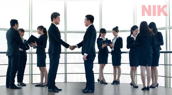 Môi trường năng động chính là yếu tố tiên quyết của các bạn trẻ về việc có nên làm sale bất động sản