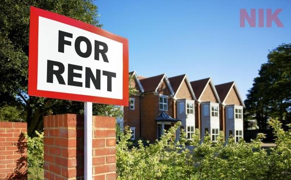 Đăng tin hoặc treo biển quảng cáo cho thuê khi đầu tư nhà cho thuê