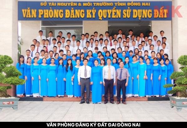 Tập thể văn phòng đăng ký đất đai Đồng Nai