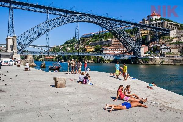 Cây cầu Ponte Luis nổi tiếng ở bất động sản bồ đào nha